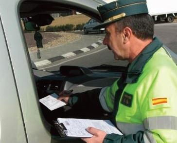 Campaña DGT sobre vehículos no asegurados