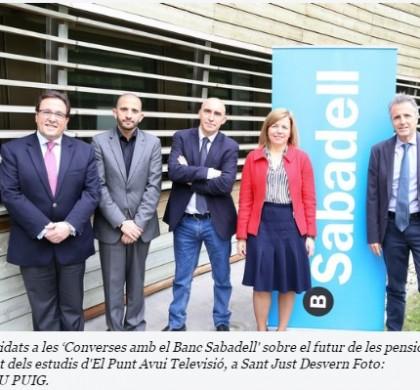 """Els convidats a les """"converses amb el Banc Sabadell"""" sobre el futur de les pensions - Foto: ANDREU PUIG"""